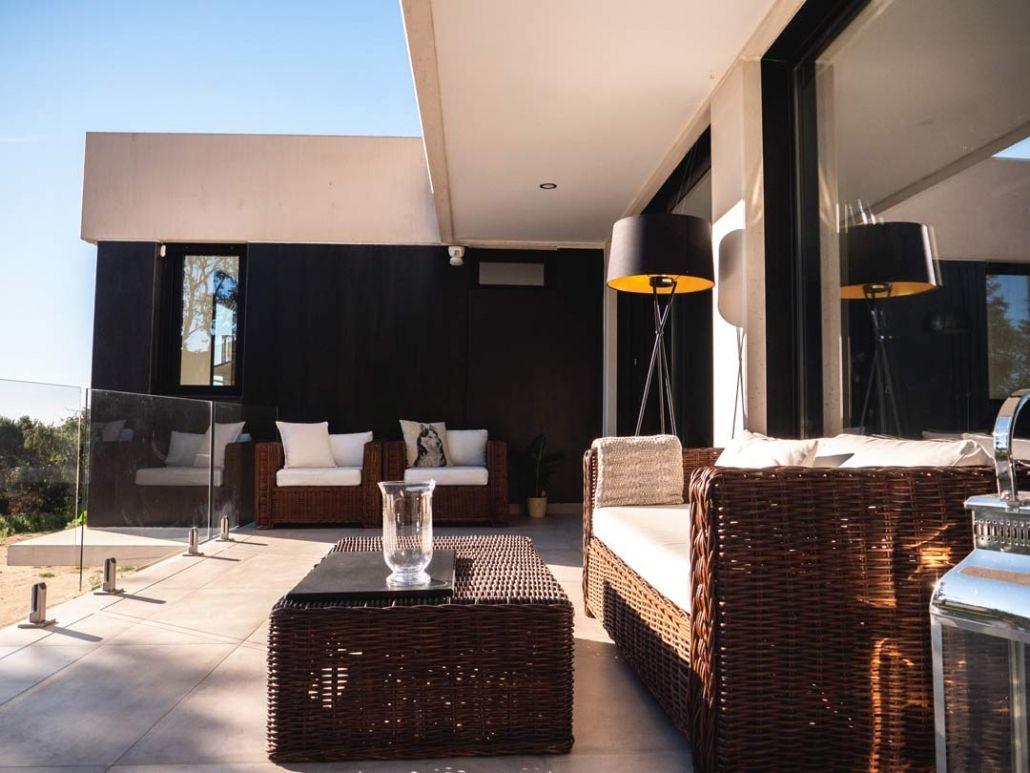 terraza de diseño vivienda modular de hormigon