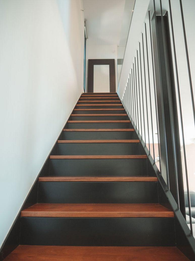 escaleras de madera vivienda prefabricada