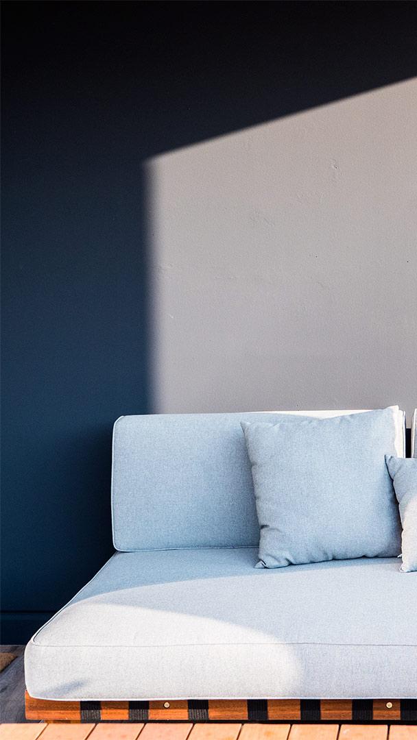 sofa-porche