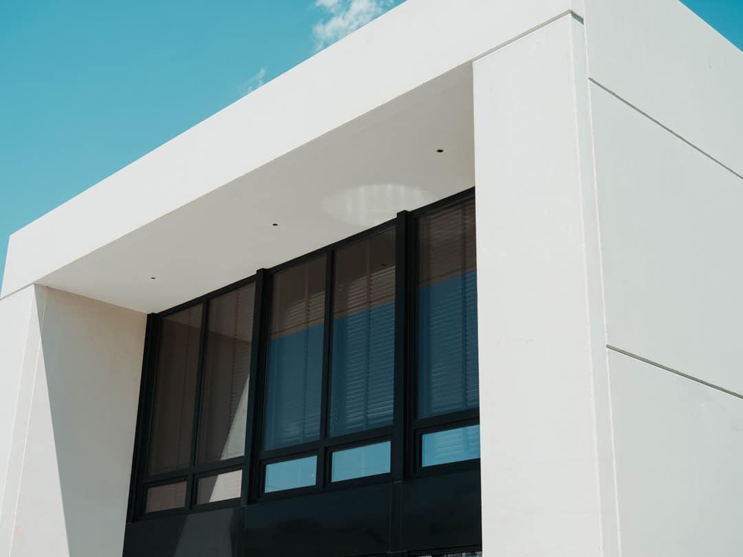 fachada-ventanal